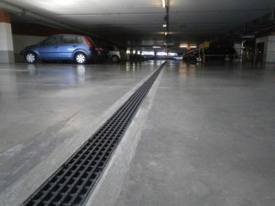 Multistory-parking trench drains